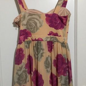 Forever 21 Dresses - FOREVER21 EXCLUSIVE Rose Floral High Low Dress 🌹